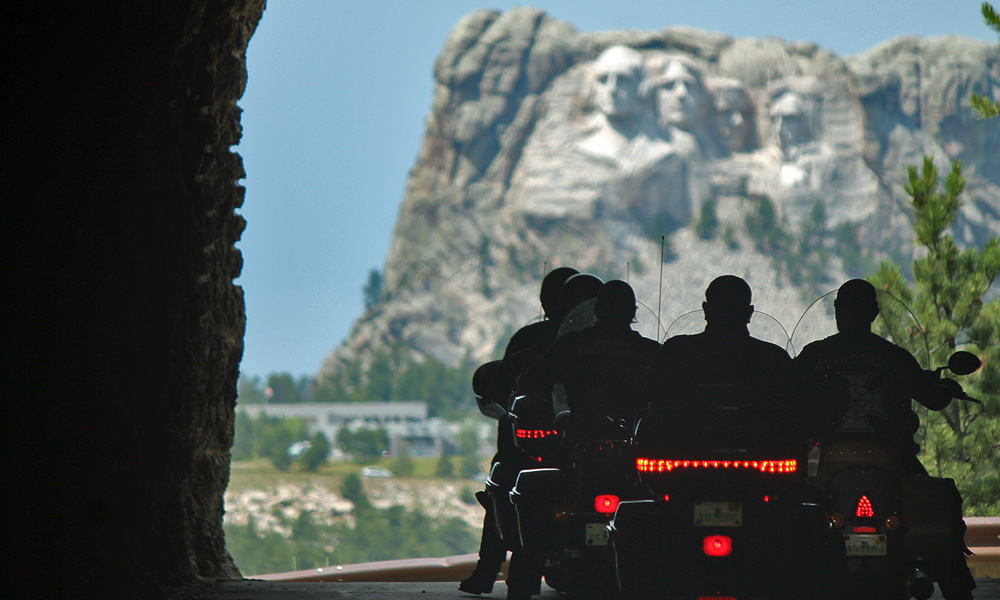 Motorrad-Reisen Rocky Mountains - Tag 5: Crazy Horse – Highway 16A – Mount Rushmore – Sturgis