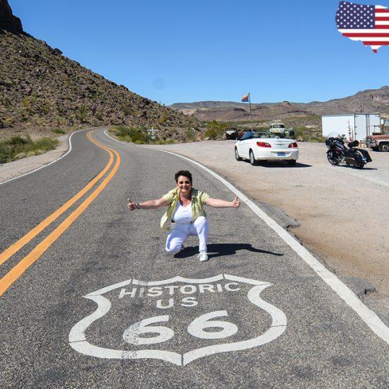 Route 66 mit der Harley und dem Cabrio