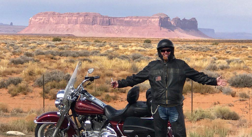 Biker und Bartender: Monument Valley